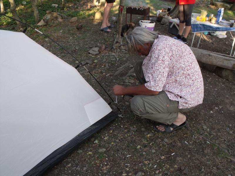 RZ6MF ставит палатку